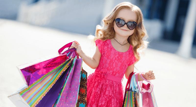 Hoe voorkom je dat je een materialistisch kind opvoedt?